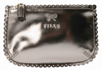 anya-hindmarch-purse-230608.jpg