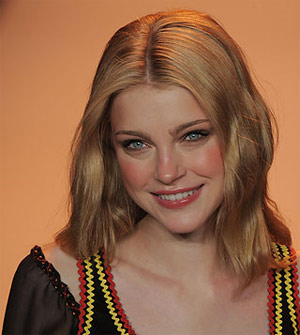 Jessica Stam To Become a Pilot?