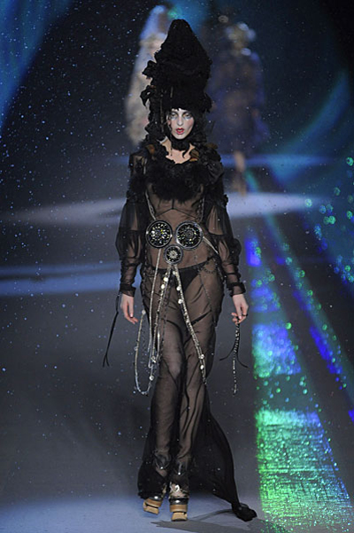 Paris Fashion Week: John Galliano AW09