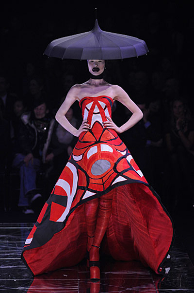 Paris Fashion Week: Alexander McQueen AW09