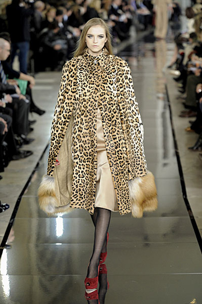 Paris Fashion Week: Valentino AW09