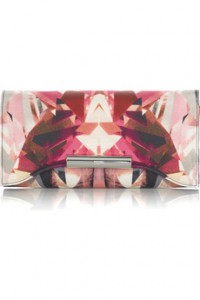 We simply adore this printed clutch