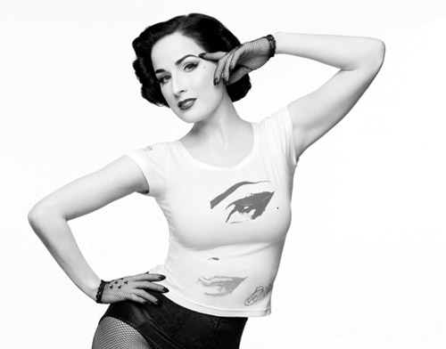 Dita Von Teese wearing a t-shirt?!
