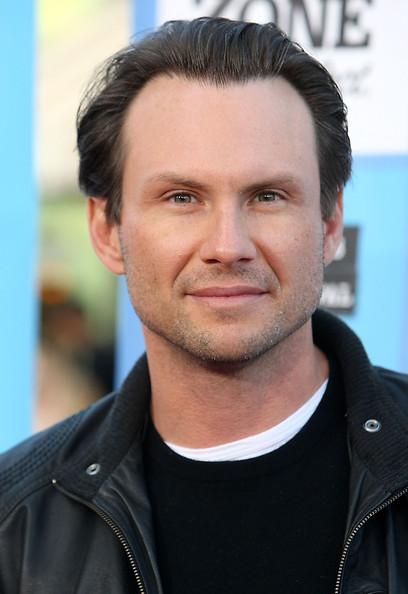 christian-slater-s-hairstylist-thinks-more-men-should-use-crimpe