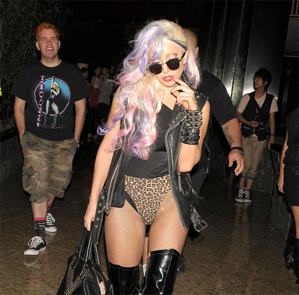 Lady Gaga to strip for Peta?