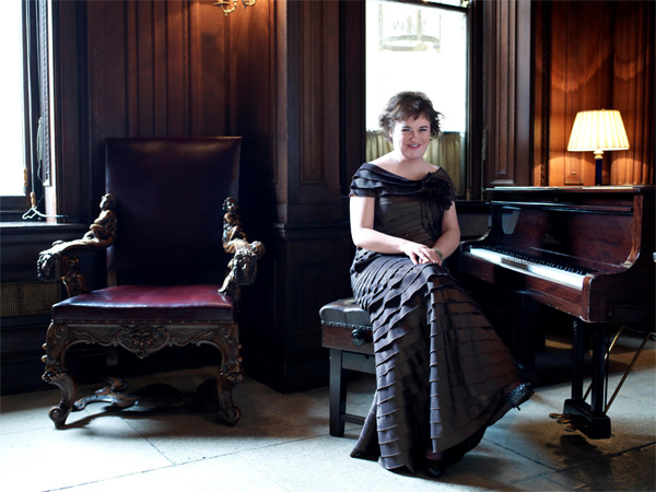 Susan Boyle goes glam for Harper's Bazaar US