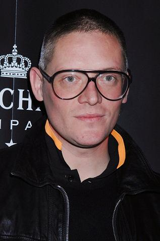 Giles Deacon launches jewellery line