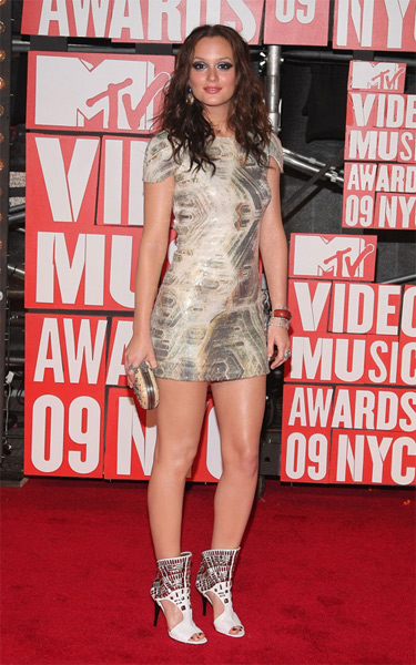 Leighton Meester VMA's footwear disaster