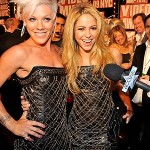 Pink and Shakira wear same dress at VMA's!