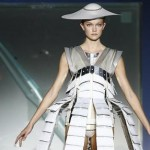 Controlling clothes , fashion of the future