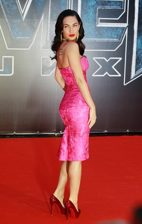 megan fox transformers 2 premiere red dress. Megan Fox Transformers Moscow