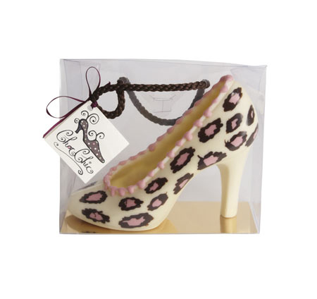 Leopard print chocolate shoe