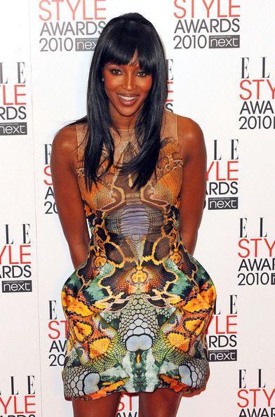 Naomi Campbell pays tribute to McQueen at Elle Style Awards