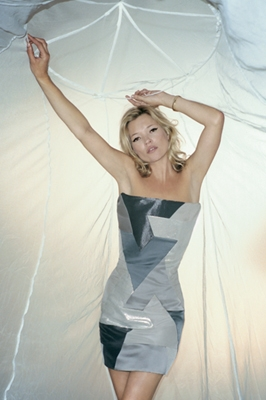 Kate Moss wears mosquito net