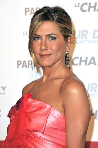 Jennifer Aniston launches first fragrance