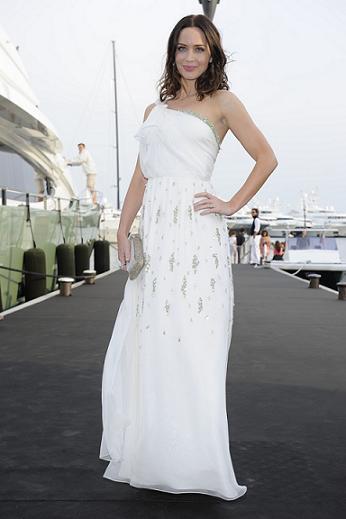 Шикарное платье в греческом стиле .  Выпускные и вечерние платья.