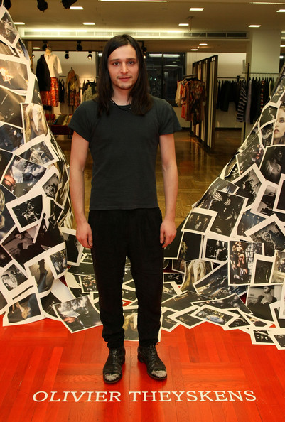 More on Olivier Theyskens for Theory