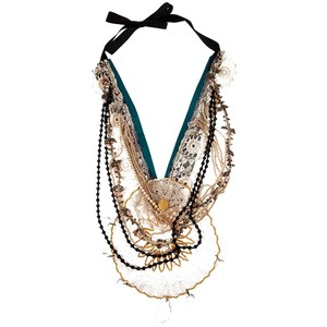 Lunchtime buy: Victim antique lace necklace