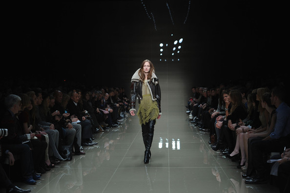 Burberry launches interactive campaigns