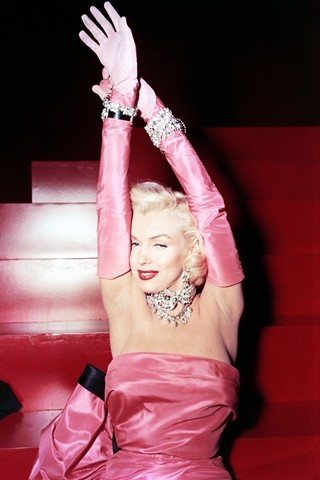 Marilyn Monroe's gown gets £213,000