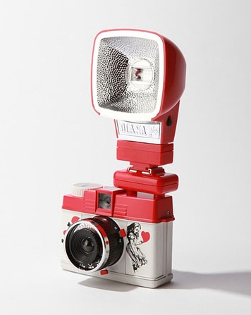 Valentine's gifts for her: Diana Mini Wonderland camera