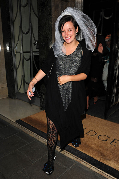 Lily Allen asks Rupert Sanderson to design her wedding shoes