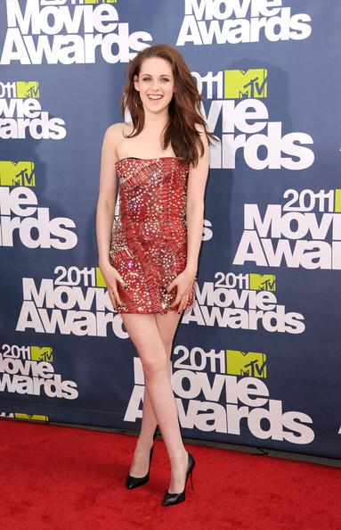 kristen stewart mtv movie awards 2011 shoes. Kristen Stewart Balmain