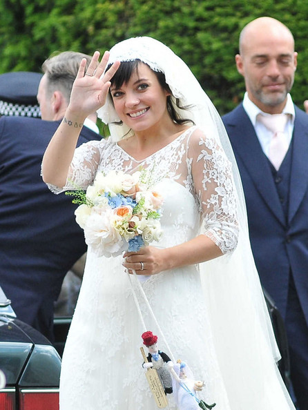 Lily Allen wears wedding dress by Delphine Manivet and reveals she's pregnant!