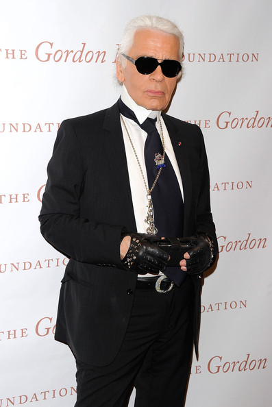 Karl Lagerfeld posts unusual fashion advice on Twitter