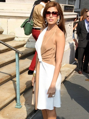Eva Mendes goes nude in Salvatore Ferragamo