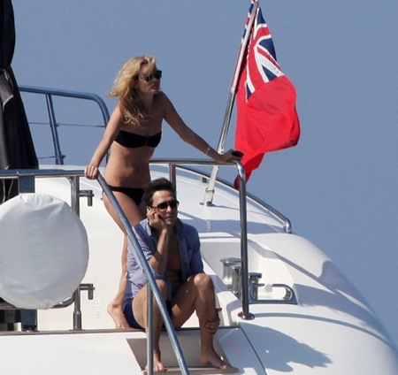Kate Moss and Jamie Hince honeymoon in Corsica