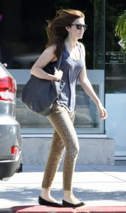Mandy Moore in Current/Elliott jeans