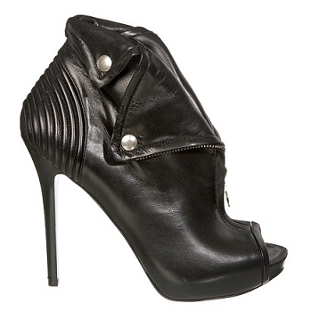 Chic Shoegasms: Alexander McQueen Faithful boot