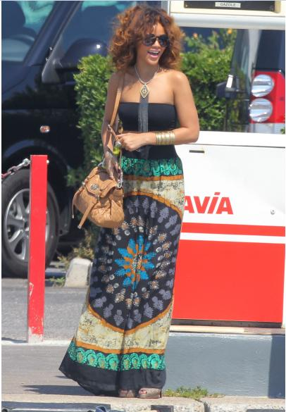 Rihanna rocks next season's quilted Mulberry Alexa