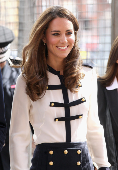 Kate Middleton shops at Topshop