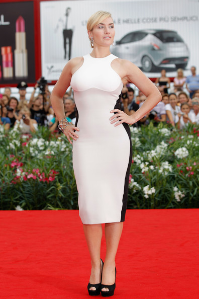 Kate Winslet looks hot in Stella McCartney