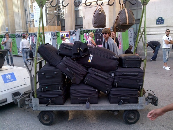 How many suitcases does Rachel Zoe need for Paris?