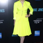 Abigail Breslin isn't mellow in yellow