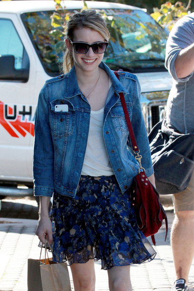 Emma Roberts does laid-back chic in Malibu