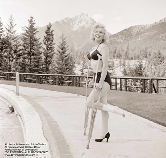 SEE never before seen pictures of Marilyn Monroe from Look magazine (1953)