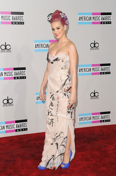 Katy Perry looks geisha glam in Vivienne Westwood