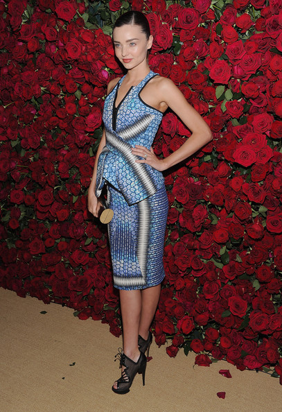 Miranda Kerr looks futuristic in Peter Pilotto
