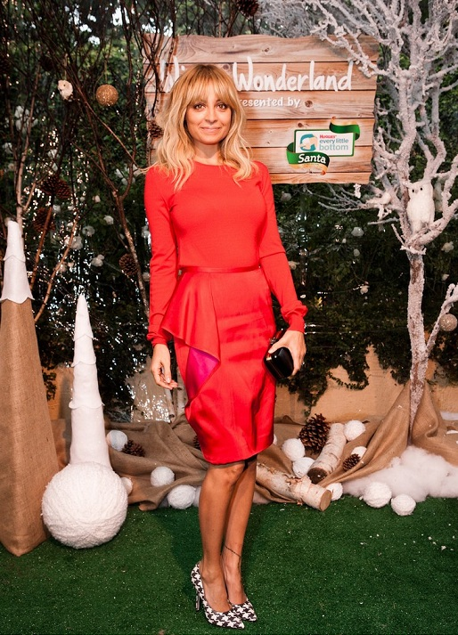 Nicole Richie gets us in the festive mood in Stella McCartney