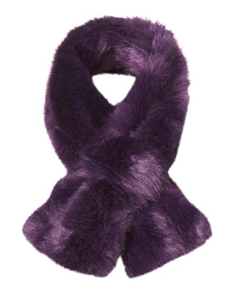 Lunchtime buy: Topshop faux fur tuck stole