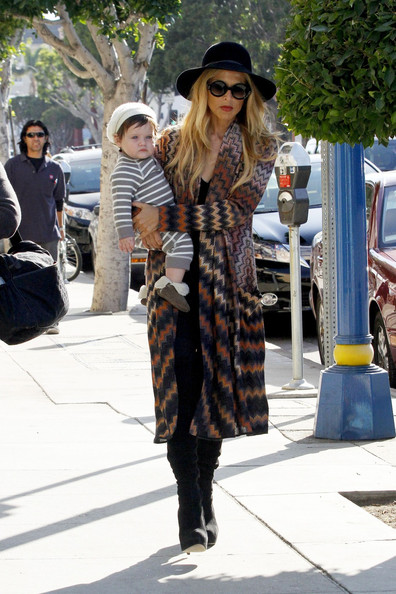 Rachel Zoe is every inch the yummy mummy in Missoni