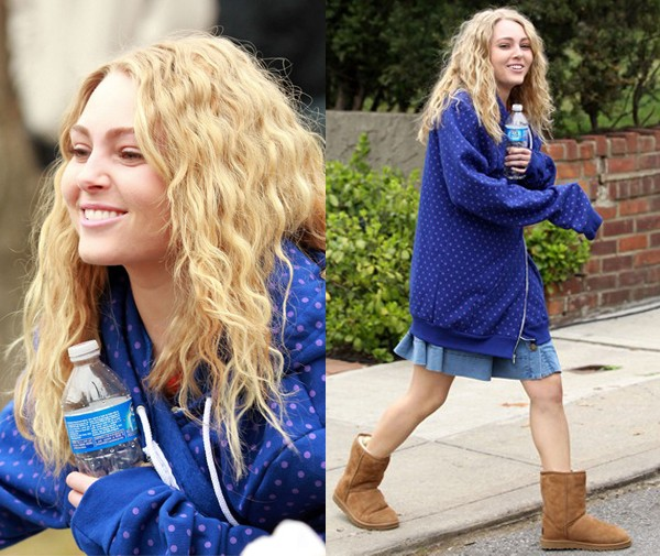 Your first look at the teenage Carrie Bradshaw, as played by AnnaSophia Robb