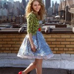 See the first official picture of AnnaSophia Robb as Carrie Bradshaw