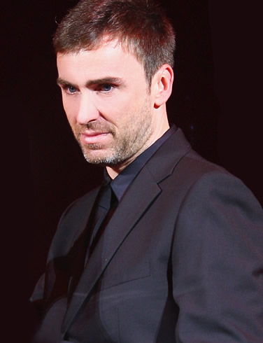 Rumours that Raf Simons demanding too much money from Dior are untrue…!