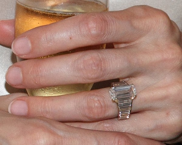 A closer look at Angelina Jolie's $250,000 engagement ring