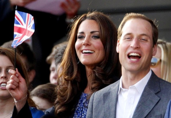 What did Kate Middleton wear to the Queen's Jubilee concert yesterday?